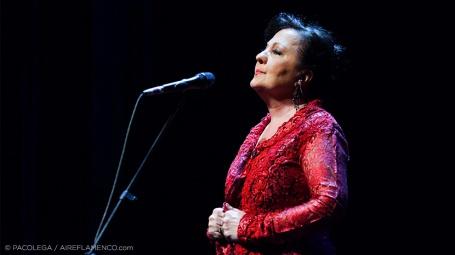 La elegancia flamenca de Carmen Linares entre versos de Miguel Hernández